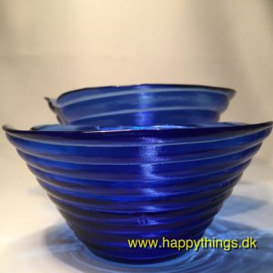 www.happythings.dk_350_glasskåle_blå_riflet_Holbechs Fajance Forretning_03