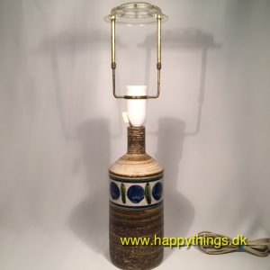 www.happythings.dk_381_Kingo Keramik_bordlampe_naturfarvet_blå pletter_02