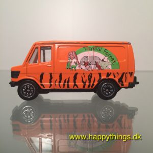 www.happythings.dk_834_Welly_Mercedes-Benz transporter_orange_02