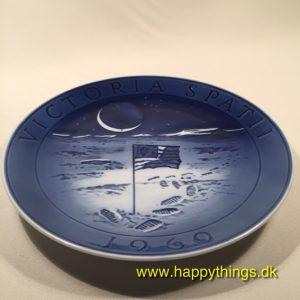 www.happythings.dk_218_mindeplatte_victoria spati_1969_royal copenhagen_02