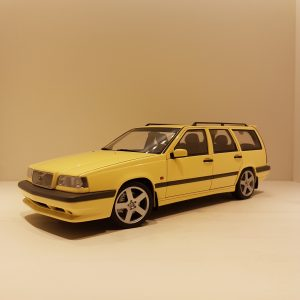 3763-3817-Happythings-Volvo-850-T-5R-Estate-autoart-modelbil (2)